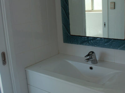 Main bathroom - vanity area