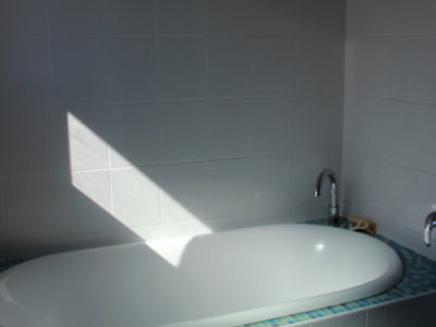 Main bathroom - bath