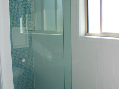 Main bathroom - shower